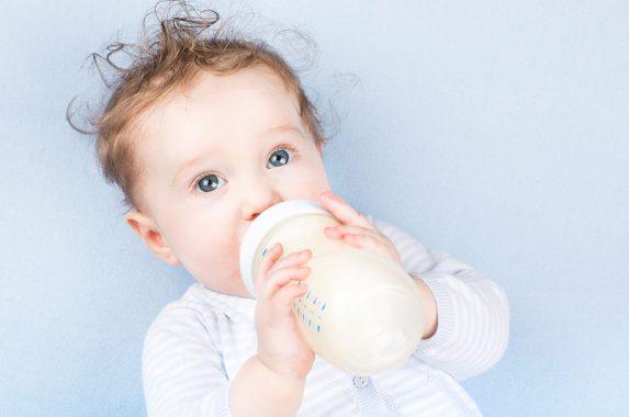 Bebeğiniz Çok Ağlıyorsa Süte Dikkat!