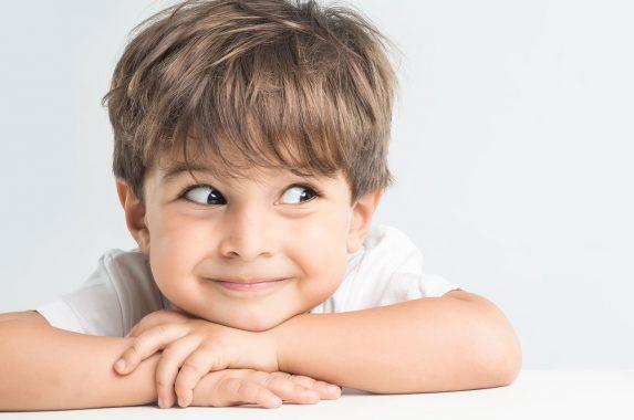 Çocuğunuzun Gözü Fotoğrafta Kırmızı Çıkıyorsa Dikkat!