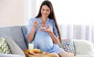 Anne Bebek Sağlığı İçin Hamilelikte Kilo Takibi Yapılmalı